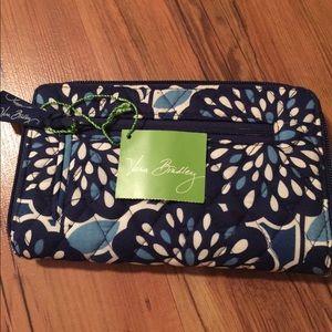 Brand new Vera Bradley zip around wallet